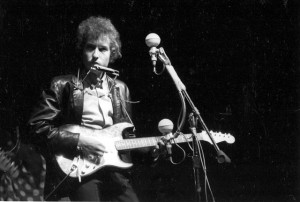 Bob Dylan's 1965 Newport Electric Guitar Allegedly Discovered in NJ Attic