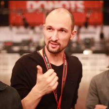 Donots & Frank Turner Post A Tour Diary Video