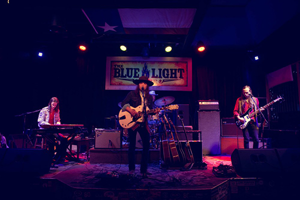 New Slang Reviews Dovetail's Performance at The Blue Light Live