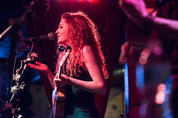 "Janet Devlin's Rescheduled ""Summer Solstice"" Stageit Performances Set for July 4th"