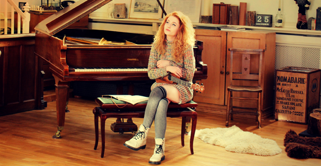 Janet Devlin - December Daze (Official Music Video)