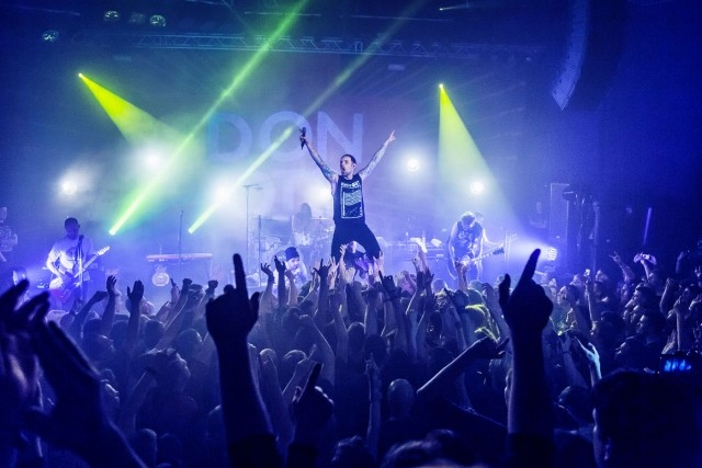 Schroeder Art Captures DONOTS on Karacho Tour