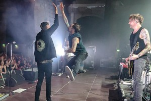 DONOTS Rock Ringlokschuppen on Karacho Tour (PHOTOS)
