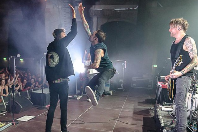 DONOTS Rock Ringlokschuppen on Karacho Tour (PHOTOS)