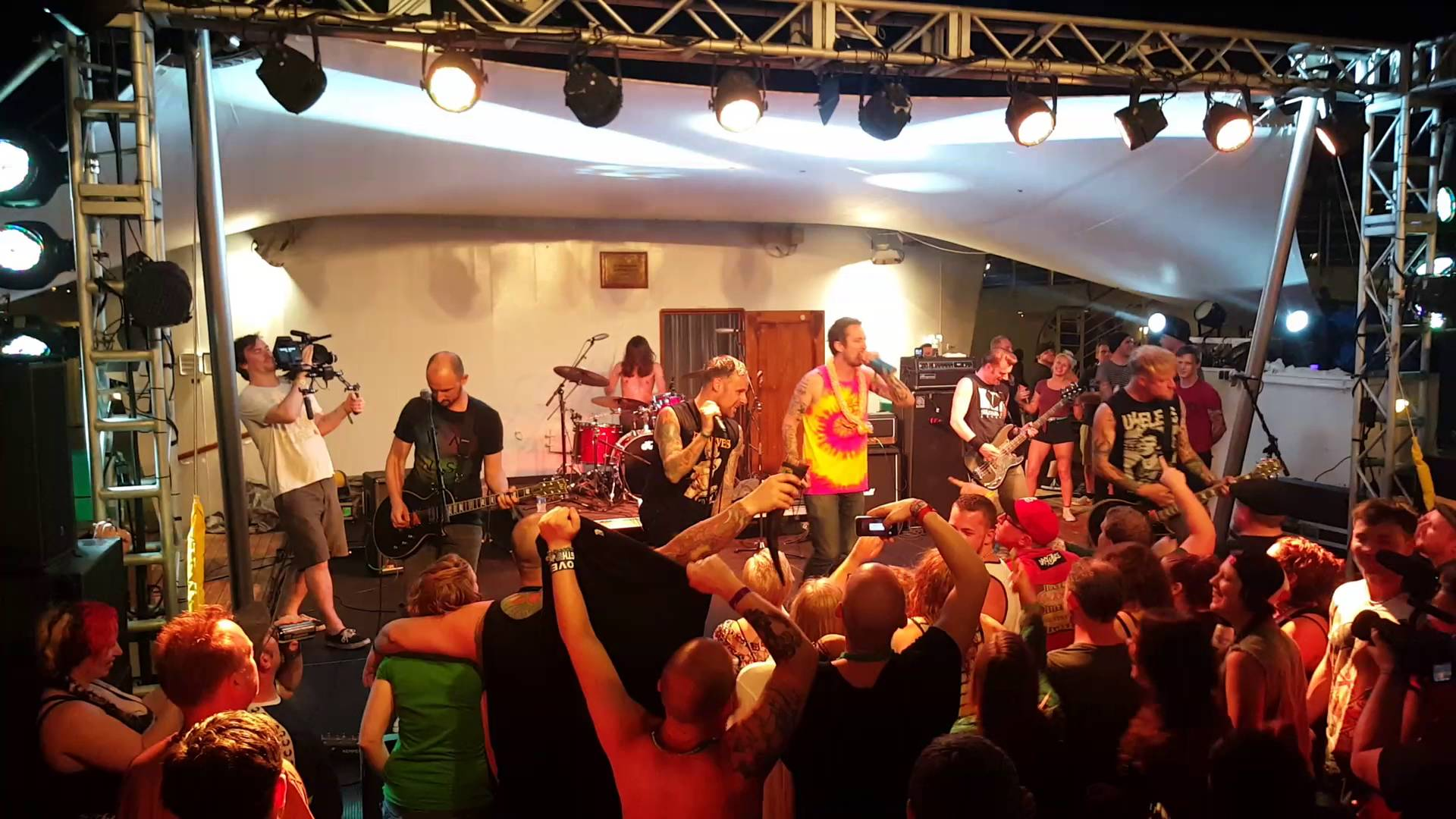 ICYMI: Donots Salty Dog Cruise Vlog