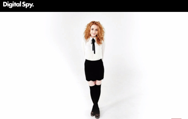 "Digital Spy Premieres Janet Devlin's Music Video For Her Upcoming Single ""Outernet Song"""
