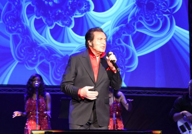 The Jerusalem Post Reviews Engelbert Humperdinck's Performance
