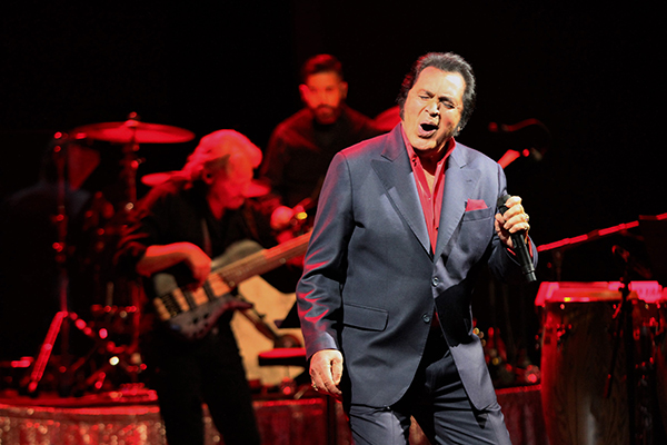 Photos: Engelbert Humperdinck Live at London's Theatre Royal Drury Lane