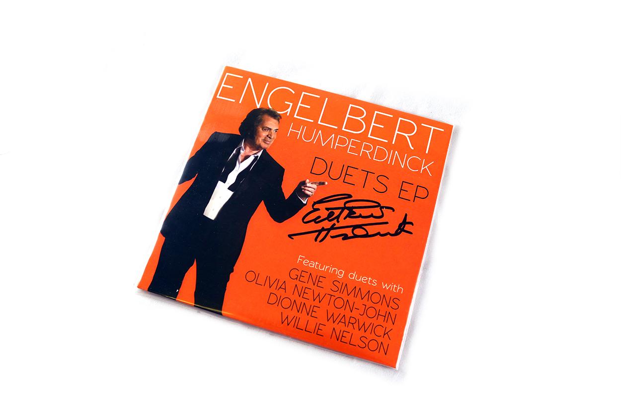 """ENGELBERT HUMPERDINCK - SIGNED Duets EP 7"""" Vinyl"""