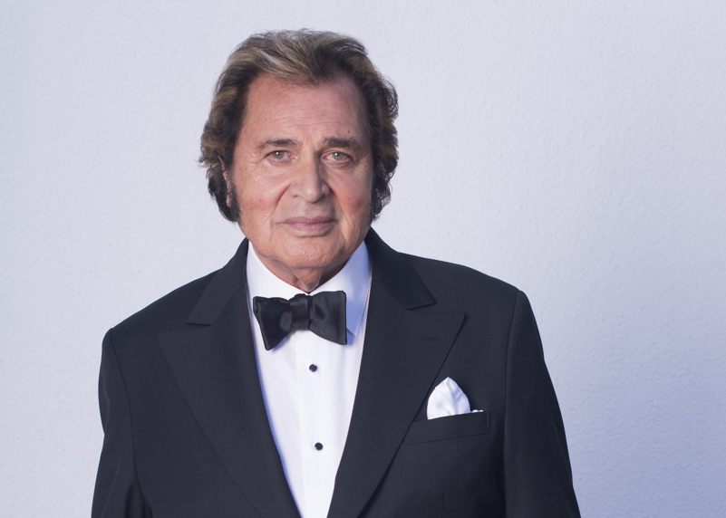 engelbert humperdinck digital journal interview warmest christmas wishes